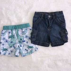 Old navy 6-12 month shorts (2 pairs)